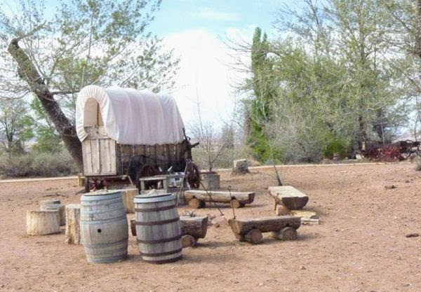 Covered wagon campsite