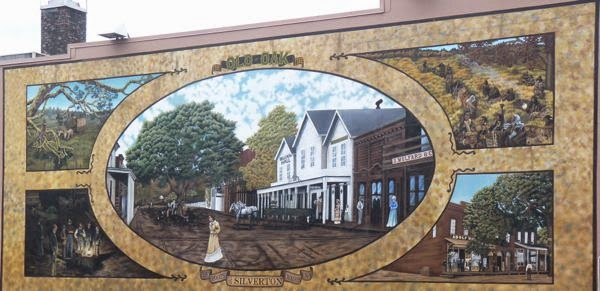 Mural in town of Silverton OR