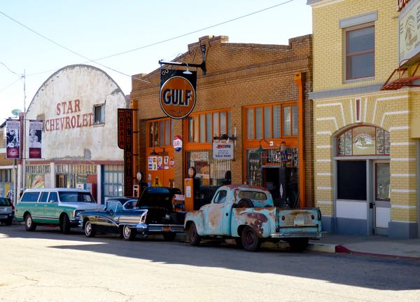 Old cars and stores