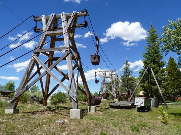 Towers, cable cars
