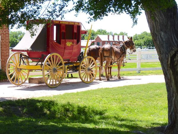 Stagecoach, mules
