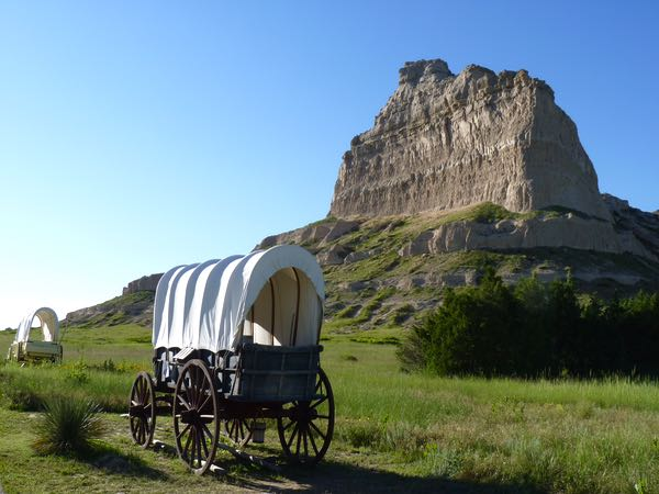 Wagons, butte